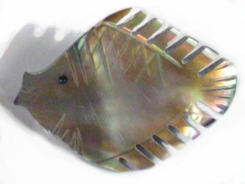Perlmutt-Brosche Fisch#2 ID ~3cm
