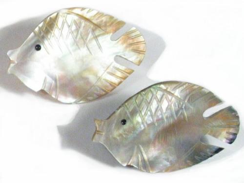 Perlmutt-Brosche Fisch#1 ID ~3cm