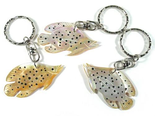 Schlüsselanhänger mit Perlmutt-Fisch