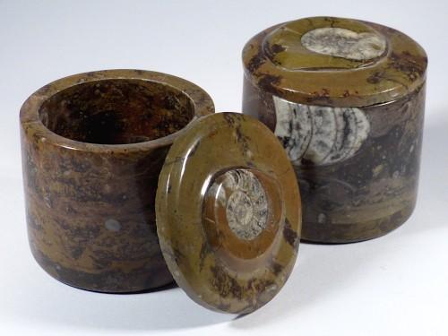 Fossilien-Marmor-Dose mit Ammoniten-Deckel *braun*