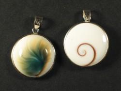 Operculum pendant round w/silver 2cm