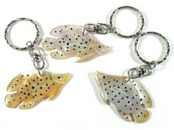 Keyring with nacre fish