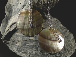 Mother of Pearl earring pair round w/silver Ø3,7cm