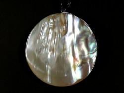 Süßwassermuschel-Anhänger rund mit Perlen 5,5cm *Unikat*